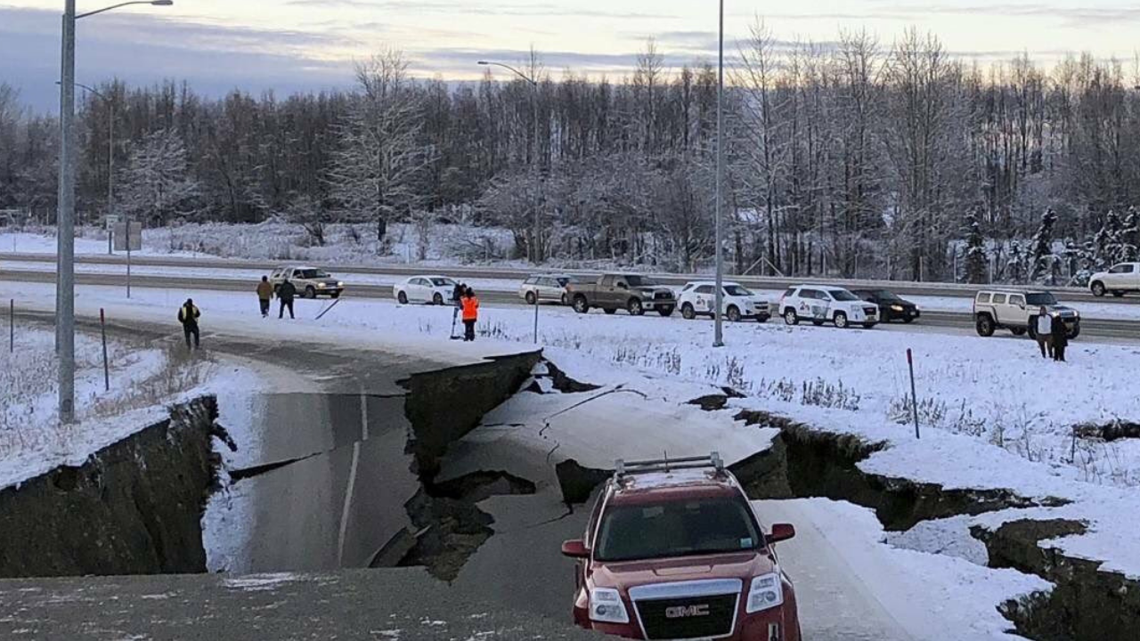 Fuerte sismo de 7,0 sacude Alaska