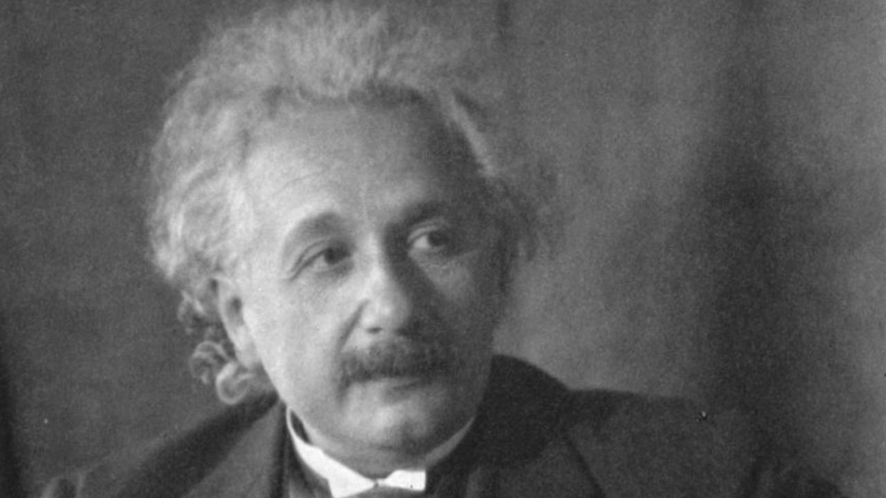 Checa cuanto pagaron por una carta de Albert Einstein