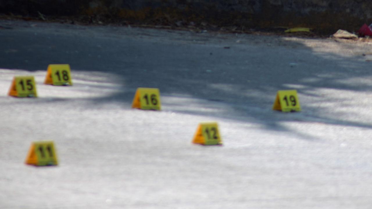 Policías y presuntos ladrones se enfrentan en Tehuacán