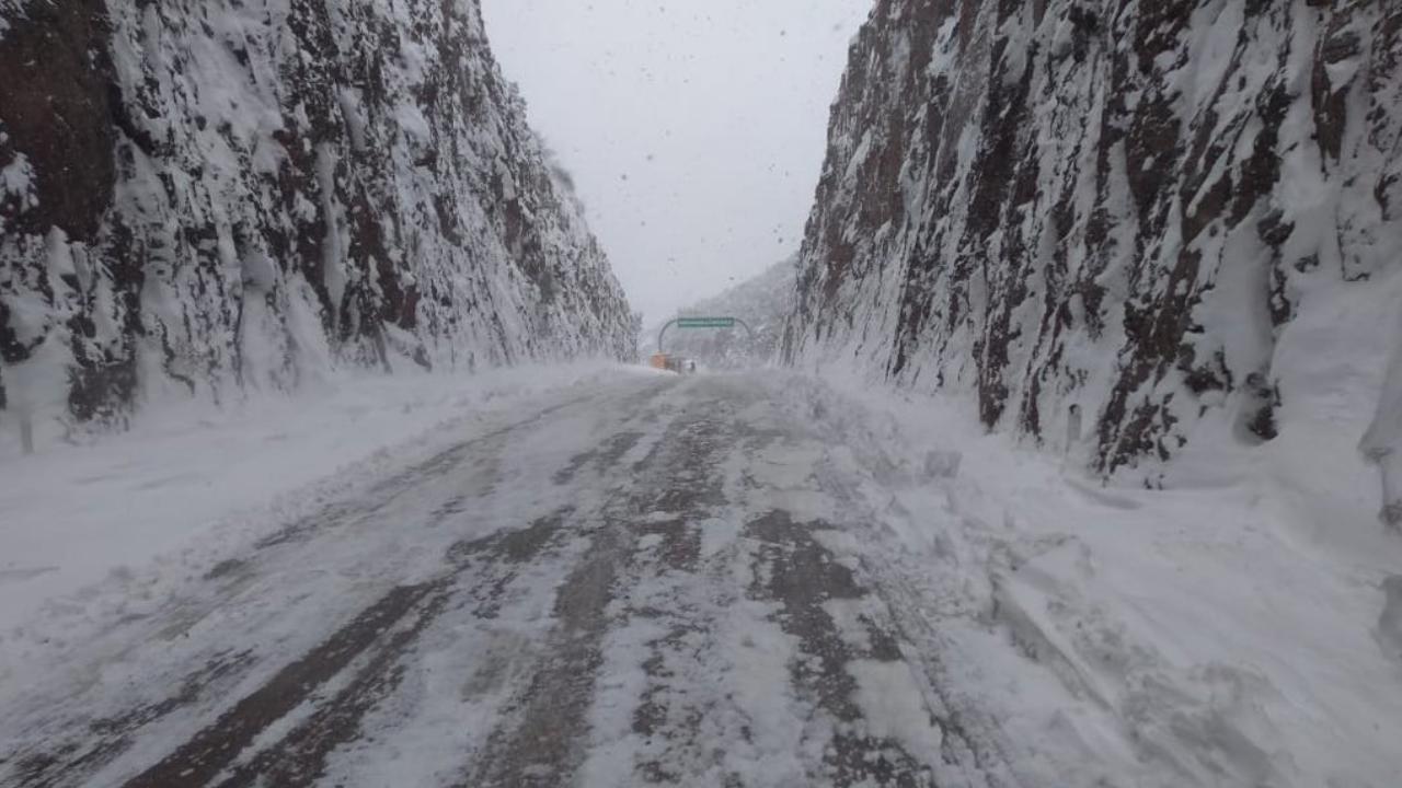 Cierran carretera Sonora-Chihuahua por nevadas