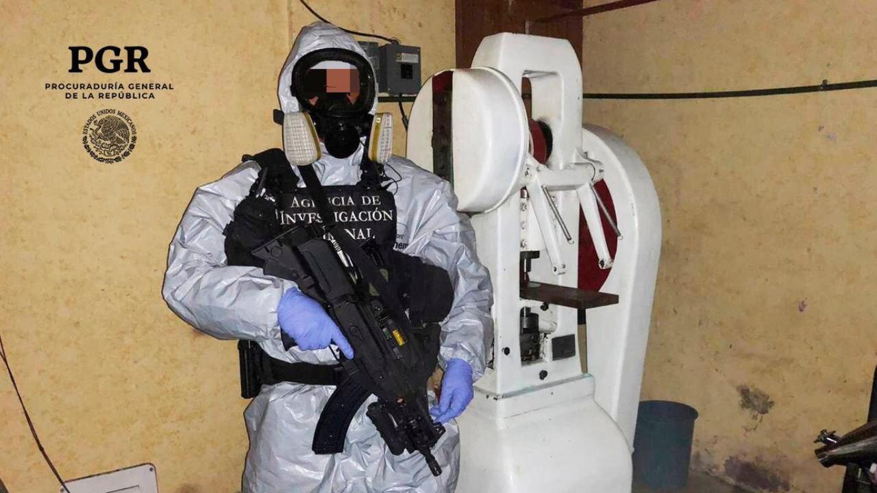 Laboratorio clandestino es asegurado en Azcapotzalco