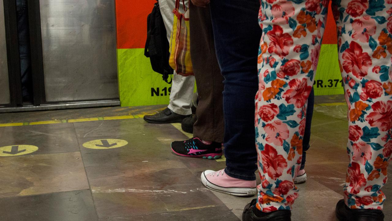 Hombre se suicida en Metro Balderas