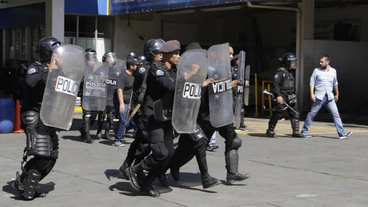 Toman oficinas de Confidencial en Nicaragua