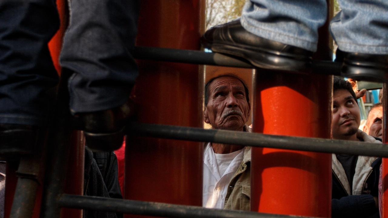 Cmapesinos permiten salida de trabajadores de San Lázaro