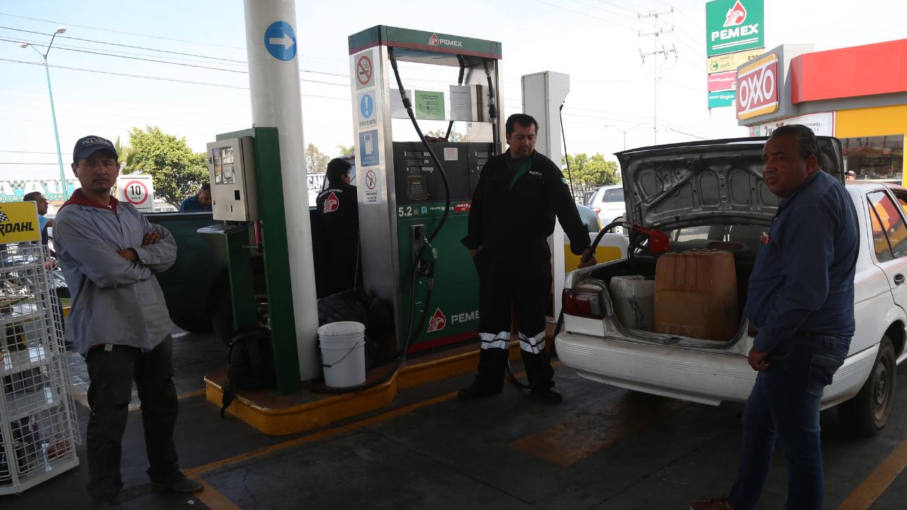 Alertan violencia por desabasto de gasolina en Michoacán y Querétaro