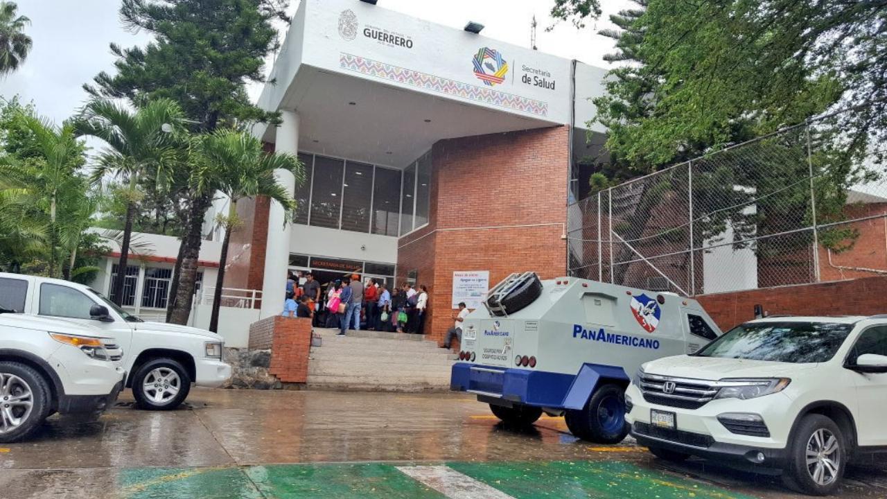 Sindicalistas toman oficinas de Secretaría de Salud de Guerrero