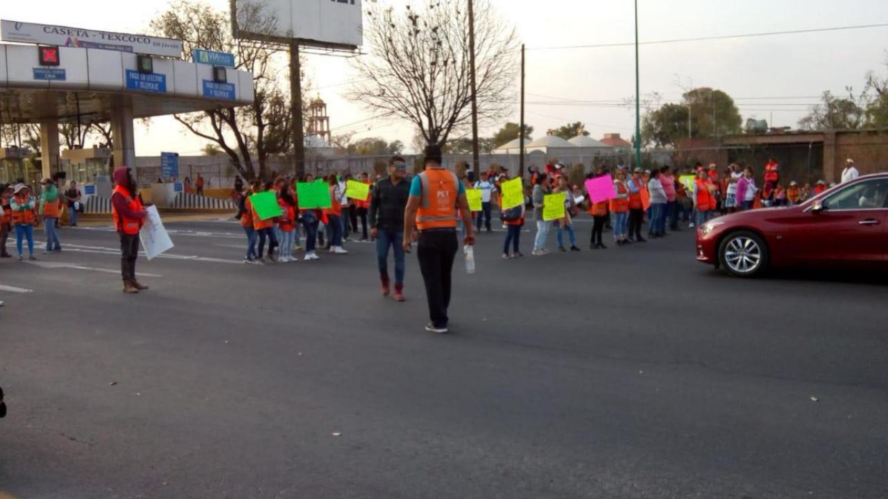 Trabajadores de NAIM protestan por falta de finiquito