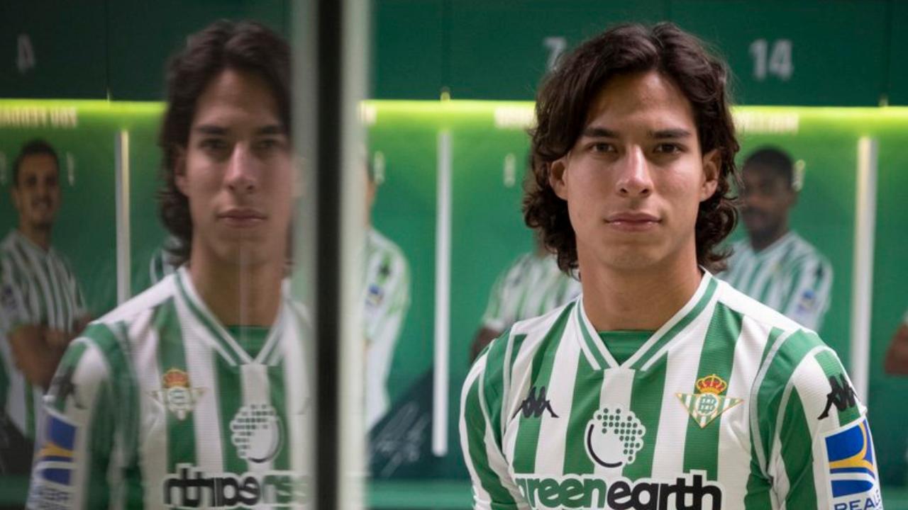 Diego Lainez recibe primera convocatoria con Betis