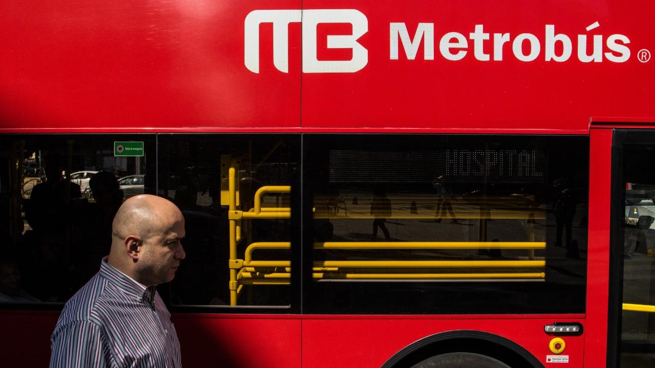 Podría subir a 9 pesos tarifa de Metrobús