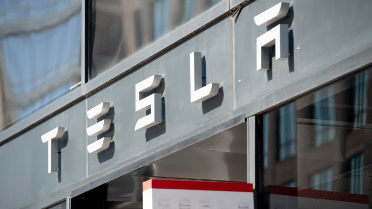 Tesla-recorte