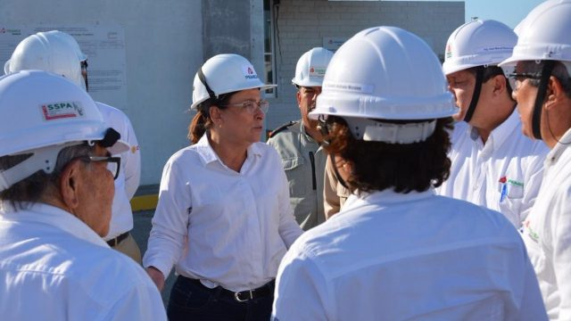 Nahle visita refinería en Oaxaca