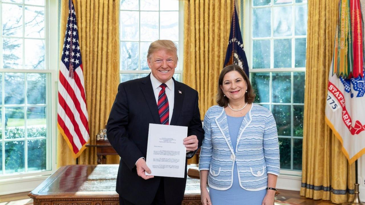 Martha Bárcena con Trump