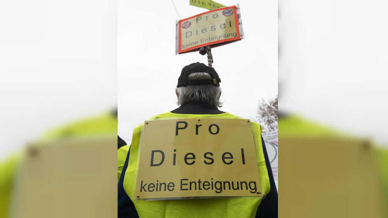 """""""Chalecos Amarillos"""" se manifiestan en Alemania en favor del diesel"""