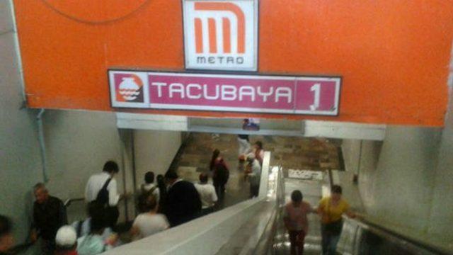 mujer metro Tacubaya