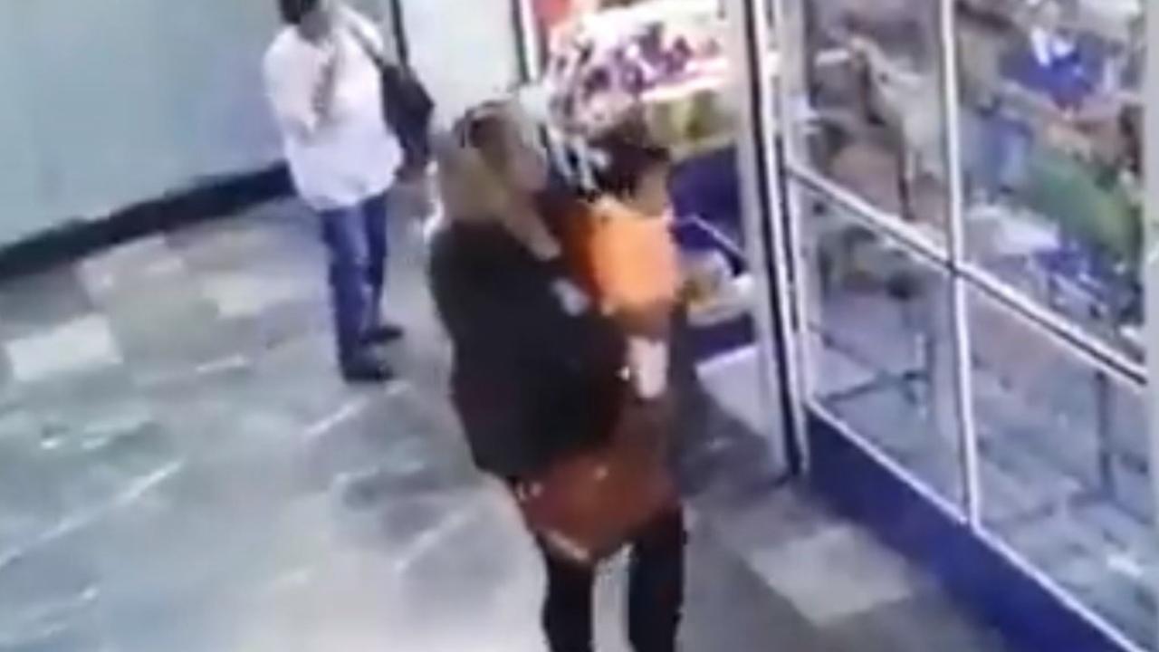 robo de bebé