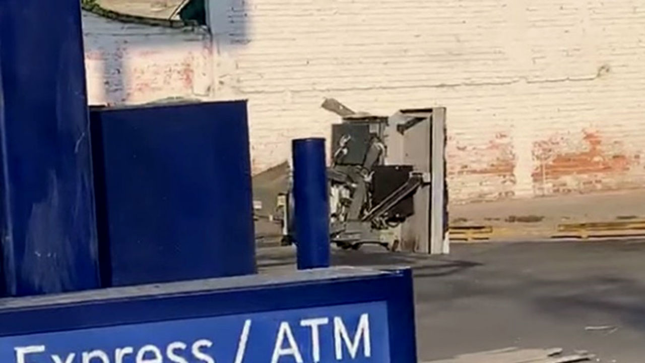 explotan cajero automatico