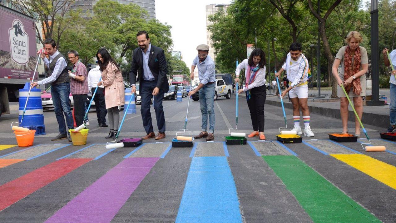 Paso peatonal LGBT