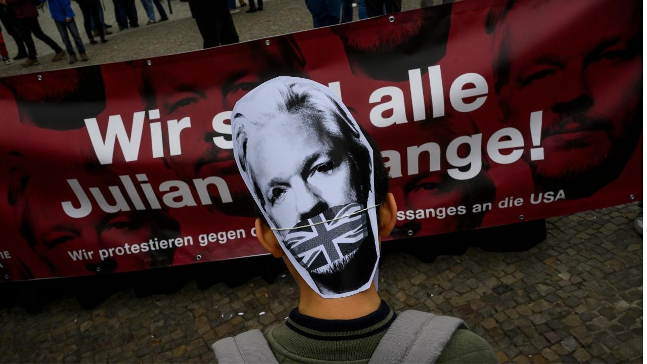 Pamela Anderson - Assange
