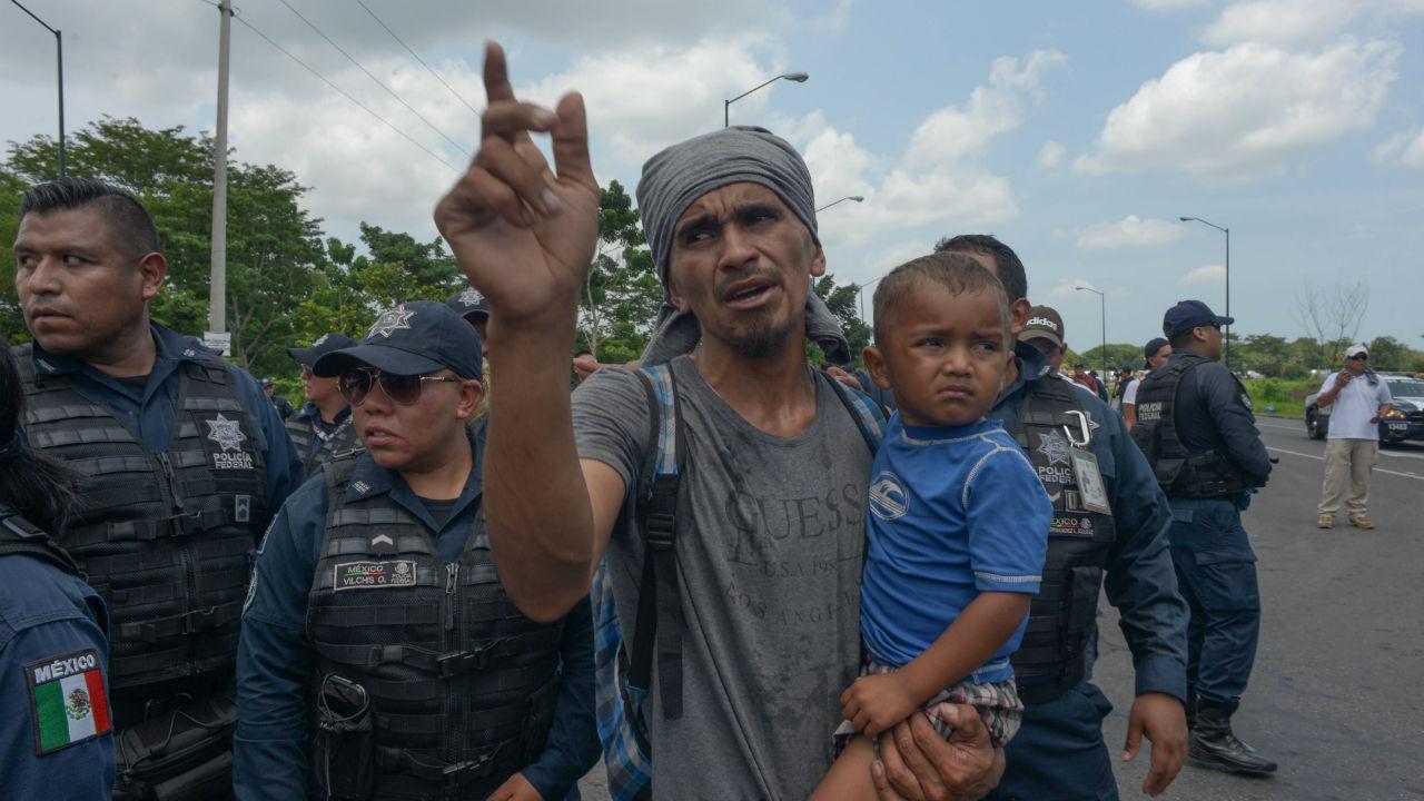 detienen migrantes