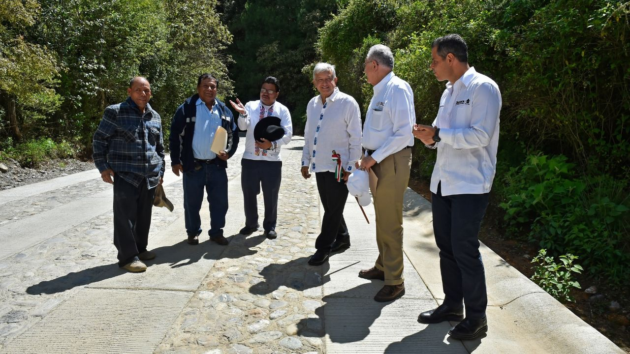 AMLO consultas mano alzada Oaxaca