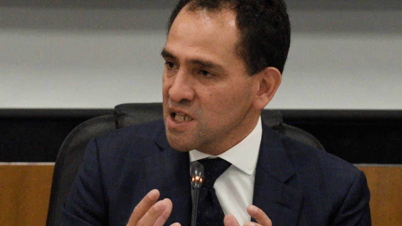 Arturo Herrera ratifica