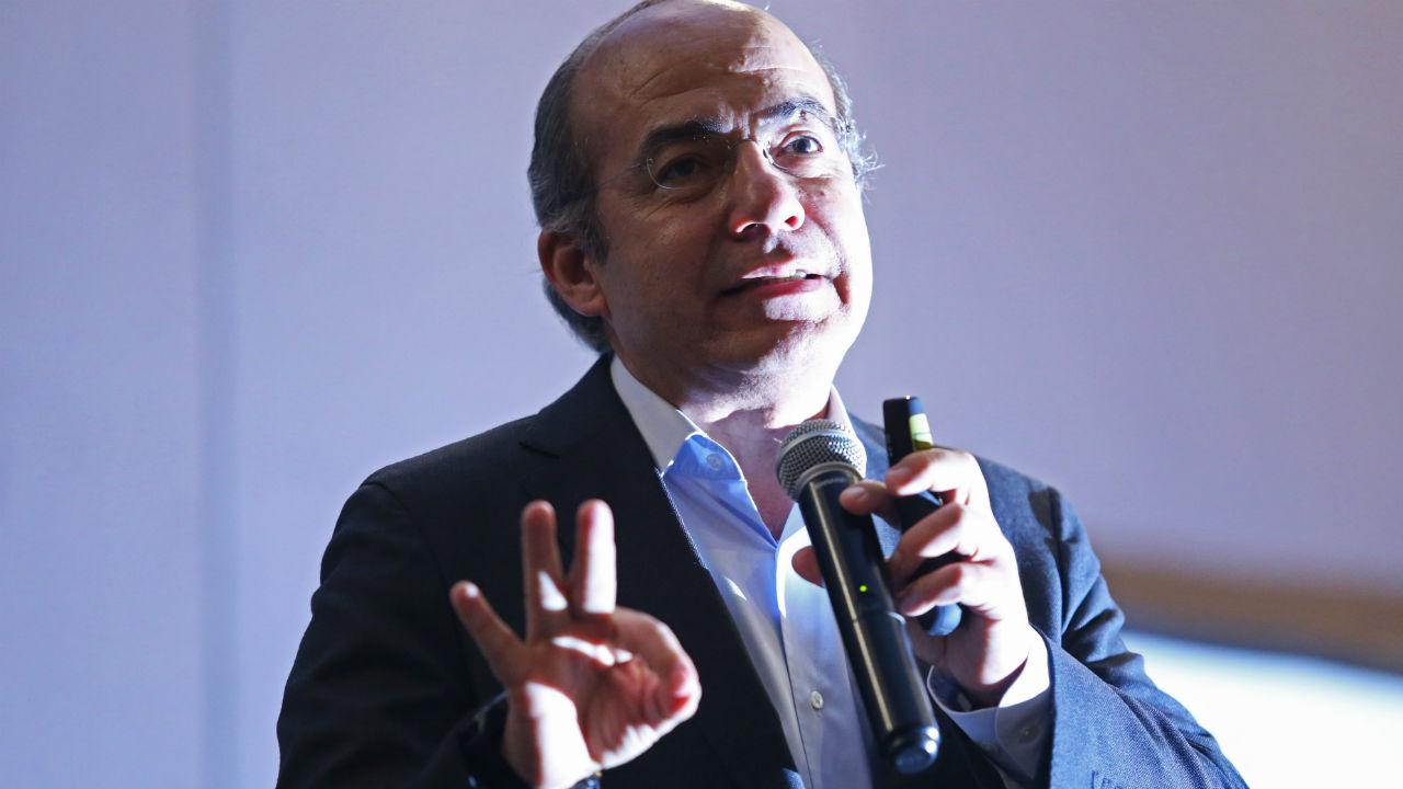 Felipe Calderón reconoce Morena Cámara de Diputados