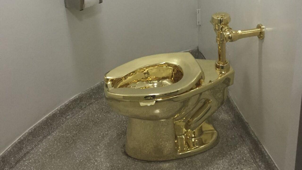 inodoro oro