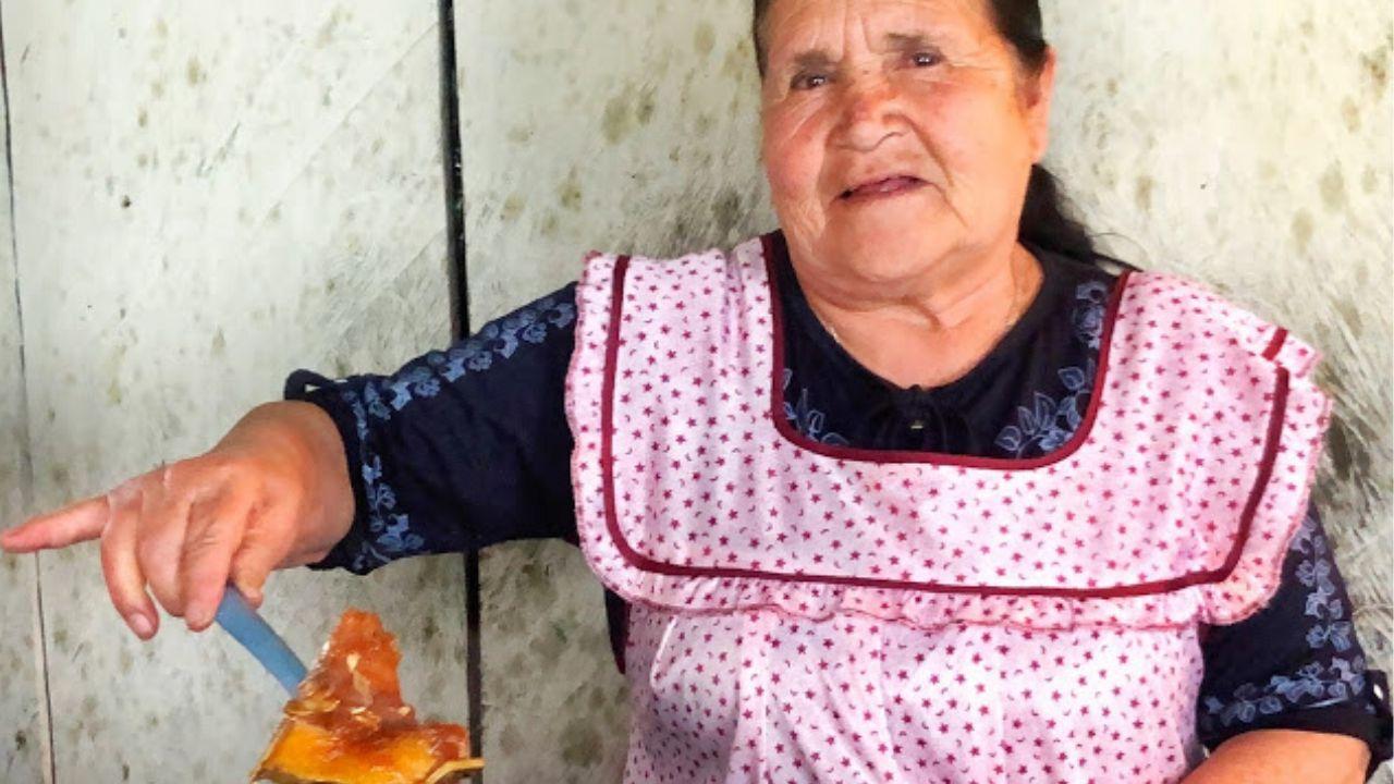 De Mi Rancho A Tu Cocina Se Lleva Botones De Oro Y Plata De