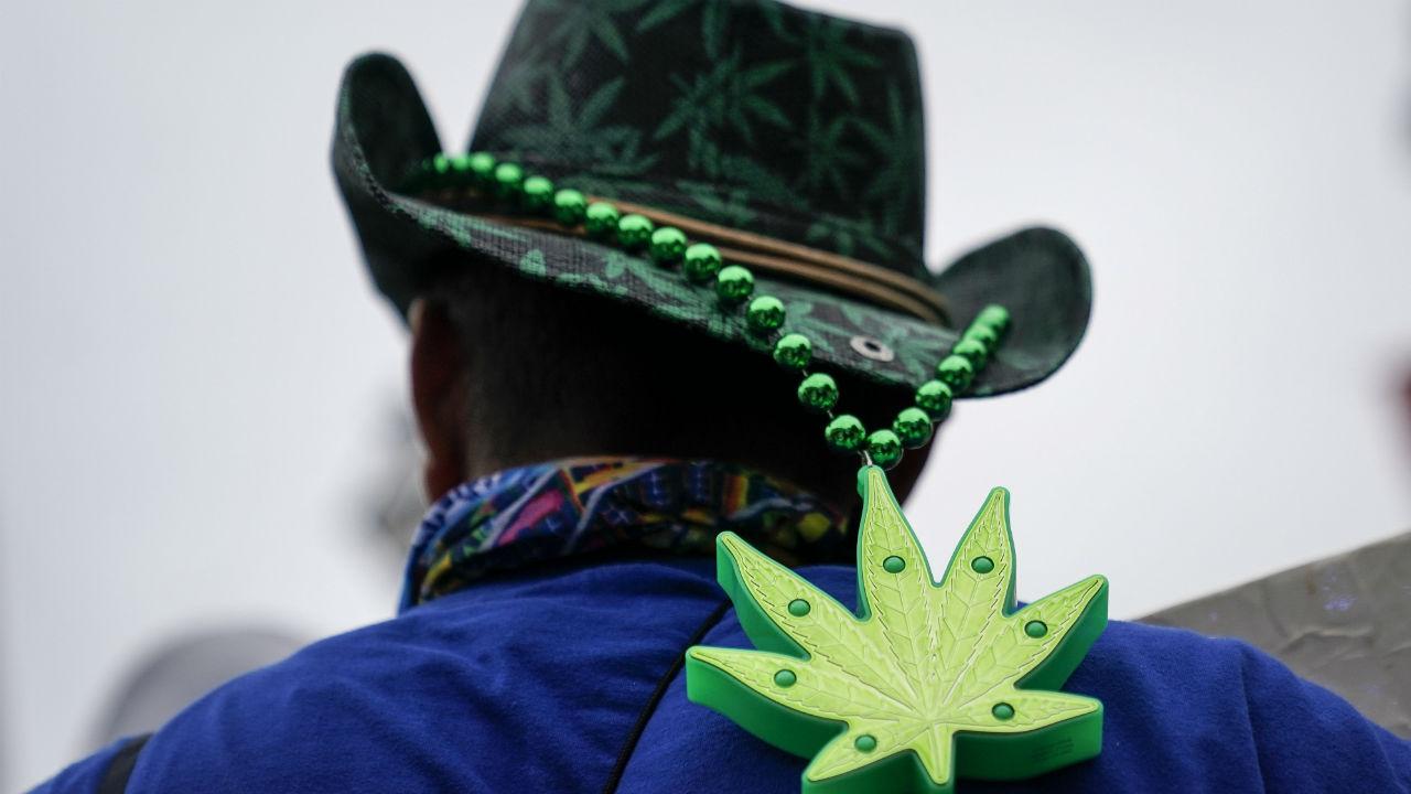 senado aplazaron dictamen marihuana