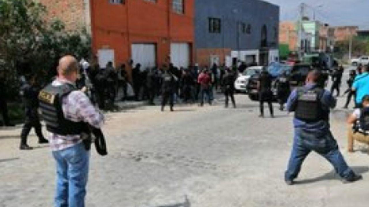 9 muertos tras choque entre policías y hombres armados en Tlaquepaque | Videos
