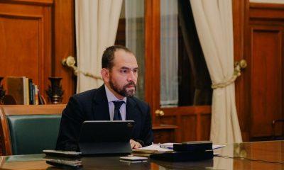 Arturo Herrera cubrebocas
